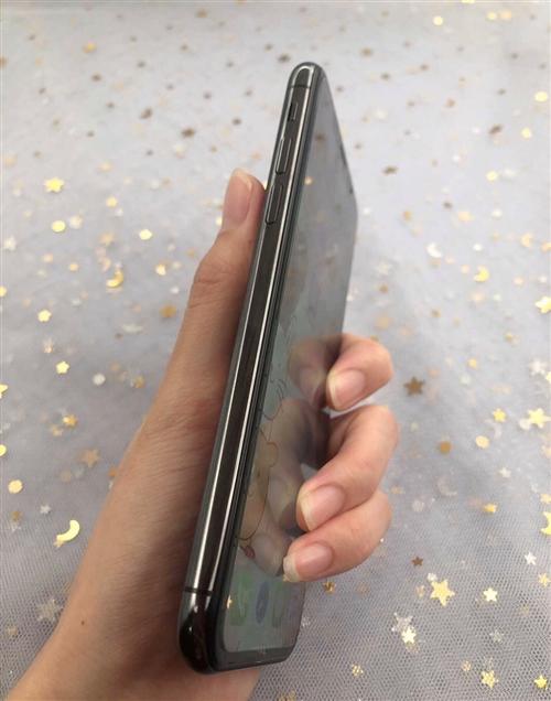 现出售苹果X一台,黑色,256G。刚用没几个月,基本上全新。由于换了新手机加上手头有点紧就只能割爱。...