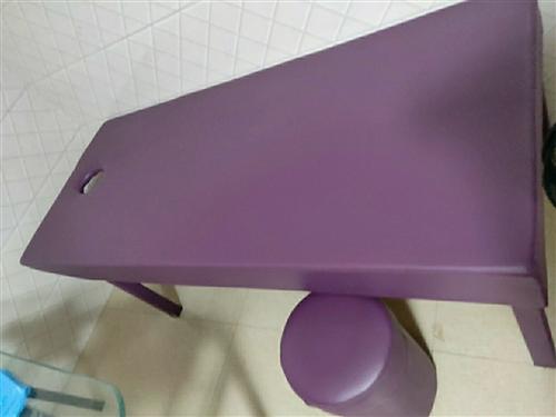 去年8月份订做的美容床,有6张,9成新,低价出售,非诚勿扰!