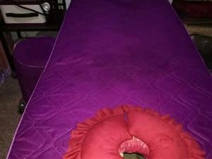 二手美容床两张,八成新。100元。需要联系。电话13213559395