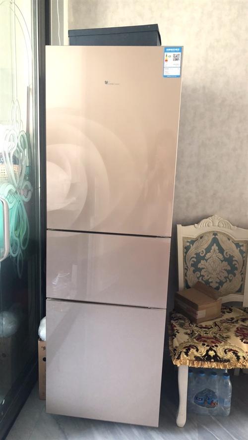 小天鵝三開門冰箱,九成新,一切正常,沒有任何問題,在家閑置,低價處理。有意向的朋友可以聯系我1399...