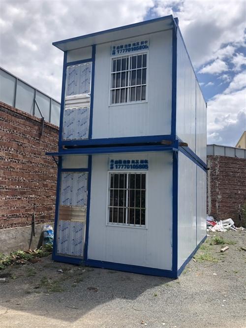 A級防火集裝箱出租銷售回收定制,在龍南有需要的集裝箱的聯系我,全贛州最低價。