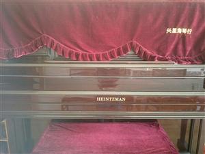 海姿曼钢琴九成新