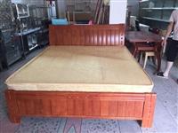 低价出售1.5/////1.8实木床床垫