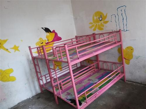 現有一批二手幼兒園用高低床,桌椅,及其他急售,有意者請電聯:18985784430。價格面議