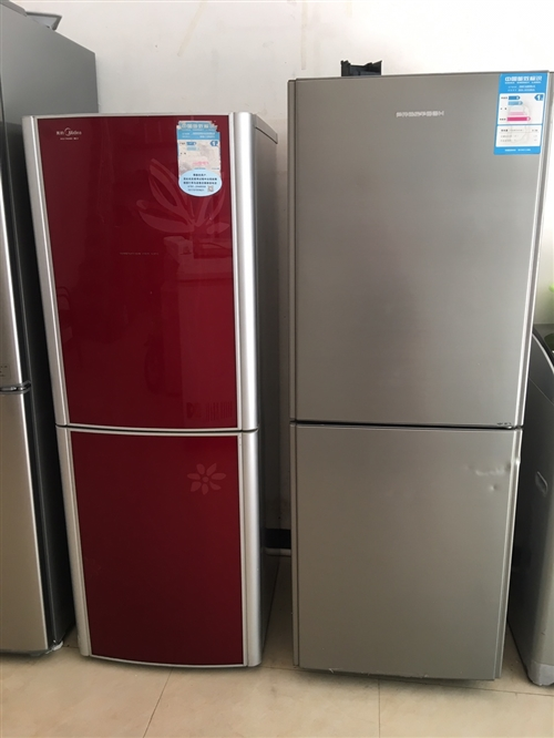 冰箱转让,八成新,功能正常,300-400元。地址在环城西路大风车幼儿园对面