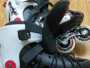 九成新溜冰鞋