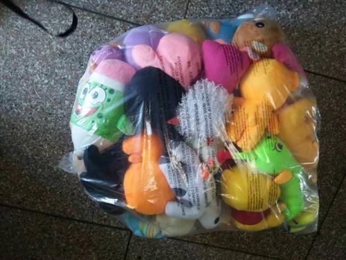 宝宝玩的娃娃,因要搬家。所以把它卖了。50块钱。13606195227