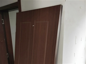 8成新套装木门低价出售!!