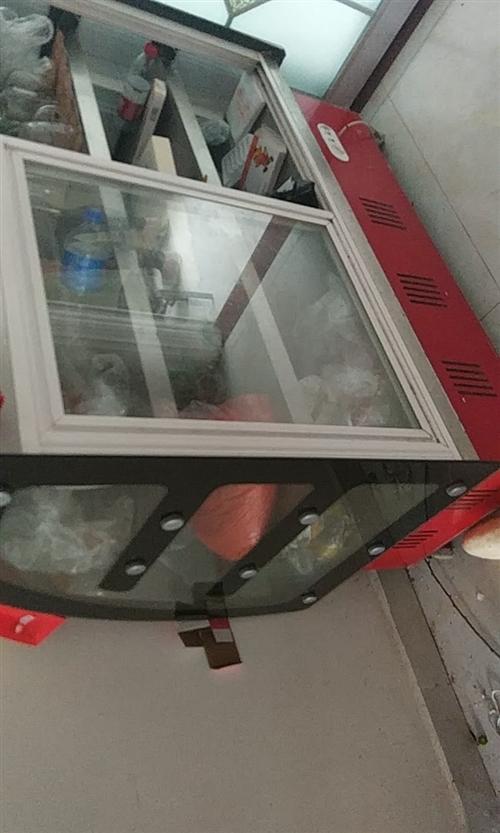烧烤店不干了,全套设备转让。有桌子板凳雨棚。冰柜。