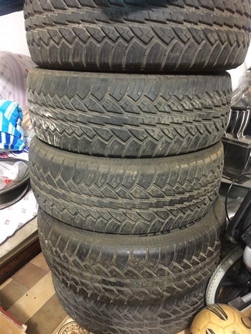 有五条固特异245/65 R17的全地形轮胎出售!四条九成新,一条全新!车辆改装换下的,放家里占位置...