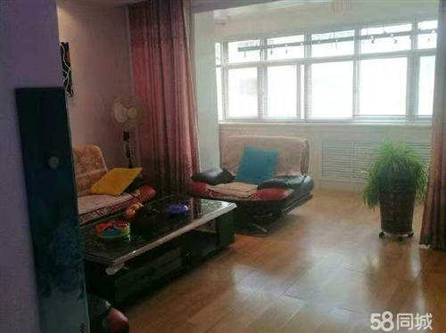 南苑小区精装房三室两厅低价按揭出售,地理位置佳,交通便利,购物方便,适合具家。