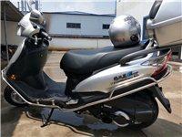 豪爵海王星国四电喷125,裸车价10900买的,骑了几个月一千多公里,现在8900出售,价格不能少。...