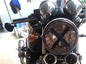 铃木400复古摩托发动机动力十足