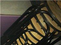 二手桌椅板凳,柜台,吧台,展示柜,冷藏柜,冰箱,奶茶杯,折叠桌子,货架,之前开奶茶店饭店用过的,现在...