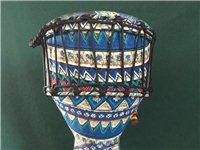 两个非洲鼓,一个10寸,一个8寸的。马丁非洲鼓。包装齐全,送书,送手铃。特点:携带方便,声音通透亮丽...