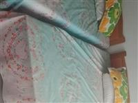 床1.2寬2米長,買了就沒用過230元一張帶墊子,共有十張