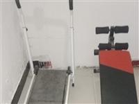基本就沒用過,多功能健身器,不插電源的跑步機,還有仰臥起坐健身器