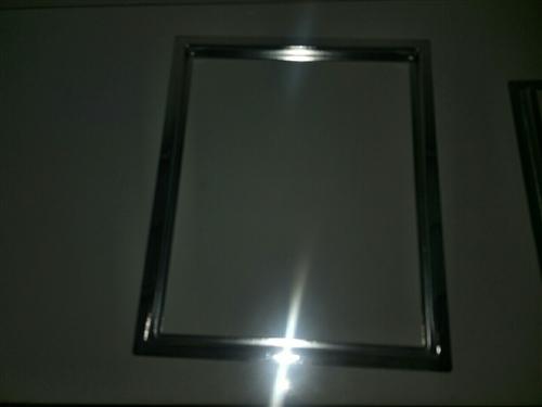 小電磁爐固定外框,全新的未用過,共12個,價格可以商量,有需要的嗎?