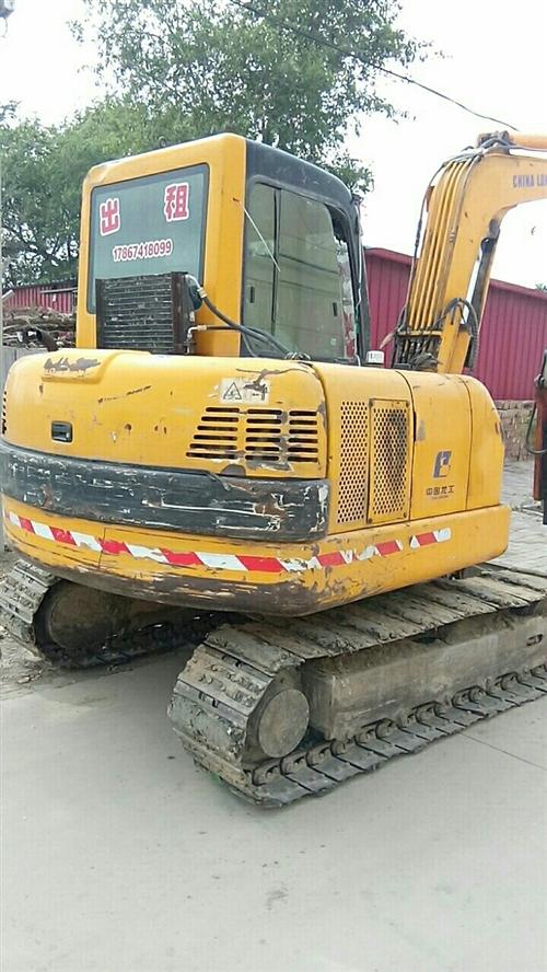 有挖掘機多臺出租價格合理,可干各樣小零活17867418099