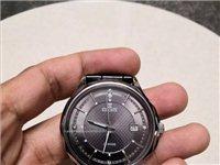 依波表,石英表,剛換的索尼電池,表戴的時間不長,除了表帶不太好之外,表還挺新,原價400多買的,因為...