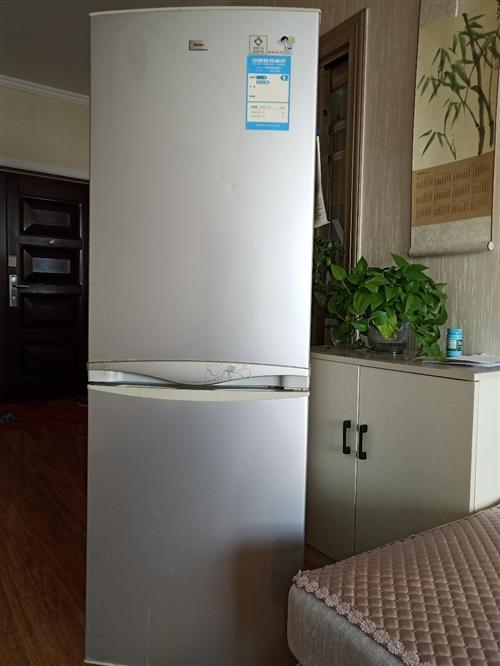 海爾186L電冰箱出售,16年買八成新。有意請撥打電話13519483722李。售價800元。