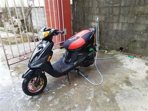 出售踏板车125cc,喜欢的来 发动机好的很,几个月的车子  价钱不高