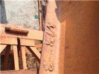 回收二手塔吊升降机架子钢管等建筑设备。