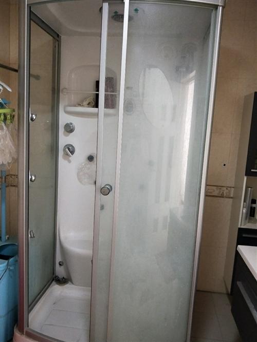 因工作调动,低价出售玻璃浴房,有意者联系我,15393259035