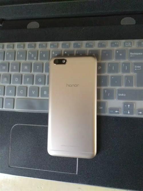 真誠出售華為榮耀5.5寸屏幕智能手機一部,原價1200元,保存完好沒有任何一點劃痕,沒有維修,全...
