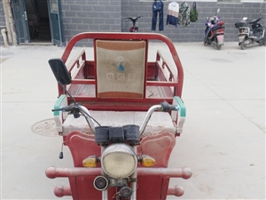三轮电动车出售 16年7月产的 七八成新个人13079312676