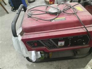 本人卖一台发电机3000W,放久了有点灰,擦干净很新的,功能正常,卖给需要的朋友