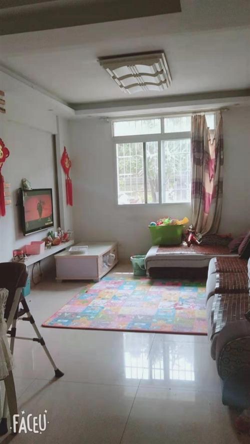 锦绣苑小区   楼层好 有小区环境,精装修 拎包入住,价格优惠。中介勿扰