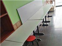 餐桌,小床,课桌便宜处理。