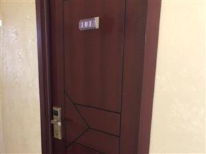 宾馆到期,18个木门出售