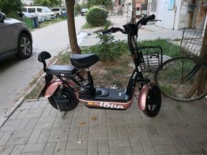 爱玛电动车,锂电池骑行每公里45KM,电池德国原装进口机芯,买了2个多月,骑过十几次,基本新车