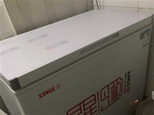 星星冷柜:1.0*0.55m 乐创冷藏柜:1.8*0.8m 九成新