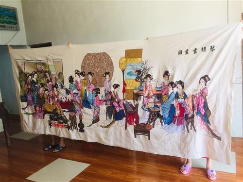 這是一幅琴棋書畫成品十字繡,長3.5米,寬1.5米,我花了六年時間才秀完的,最近急用錢,所以希望能遇...