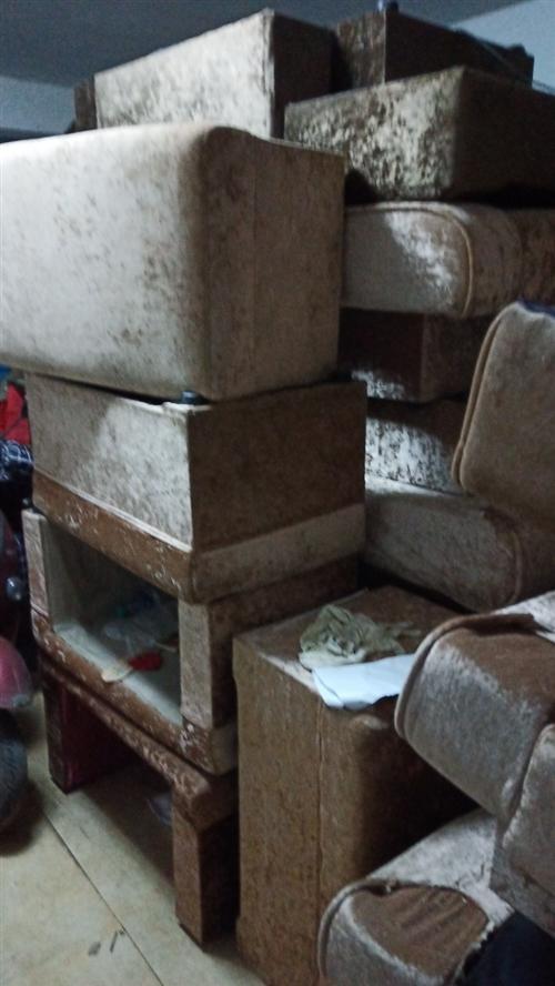 足浴按摩沙发10套,含茶几,抱枕,脚凳,按摩沙发,一套260