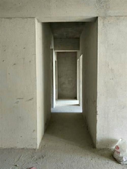 急!!!中浩地王142平電梯房只賣4600一平,來電看房。