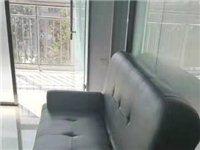 9成新品牌真皮沙发,成套出售11000元。物品存放在绿岛南邻的鸿泰东都3-612大厅,市委东南百米,...