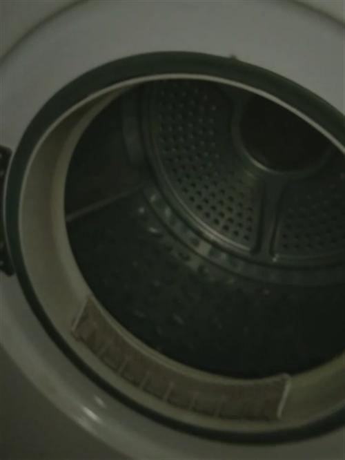 原价四千的烘干机,现折价处理了。衣服干不了它能帮忙解决。