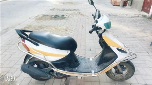 出售二手摩托車一輛,車況良好,價格便宜。 因家里沒人騎了,車庫也放不下,故出售,價格可面議。 有...