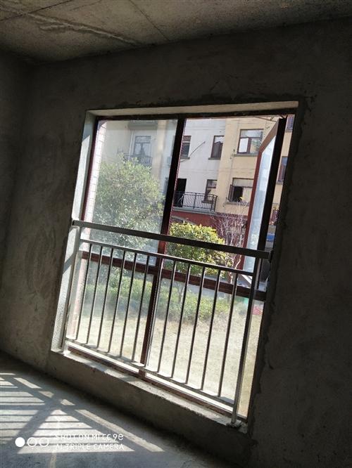 樂府豪門一樓3/2/2.衛,毛坯房6000/平方