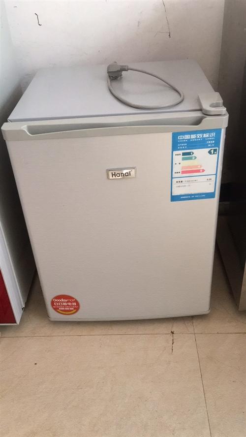 转让单门小冰箱,正常使用中,有一小格冷冻层