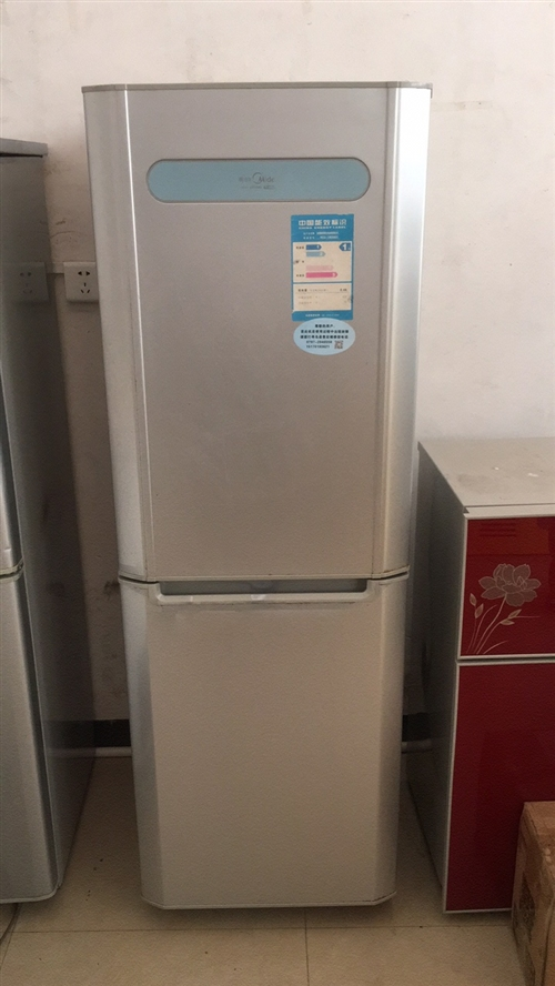 转让美的冰箱,制冷正常,在环城西路亿多超市对面第三家,