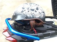 刚买回来买大了,试戴了一下新头盔喜欢的朋友可以联系我