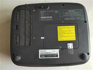 ��SONY投影�x一�_,�r格800元,新�C5900元左右,有意的老板微信�系或者���系!136670...