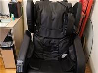 在京东买的按摩椅出售,没用过几次,东西在江店金江学校附近,现低价出售