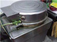 煤气烤炉,三张不锈钢桌。