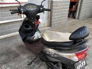 小刀电动车,买了一年,有三个多月没骑,定速巡航,电瓶完好…原图…因为回老家,出卖